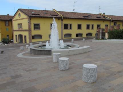 15_Carimate Piazza Castello (3)