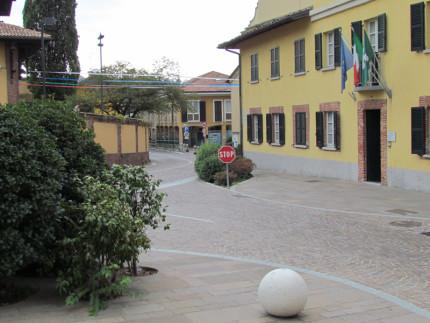 15_Carimate Piazza Castello (7)